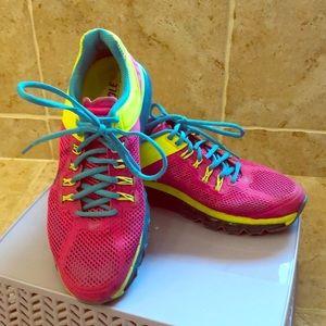 Nike Max Air Women's ID Size 9